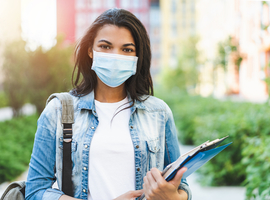 Scientifiques et étudiants étrangers accusés de propager le virus