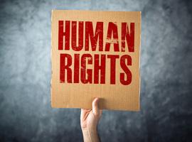 Pandemie leidde wereldwijd tot meer verdeeldheid, discriminatie en onderdrukking (Amnesty)