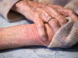 Prurit sénile:  causes et options thérapeutiques  en cas de démangeaisons  à un âge avancé
