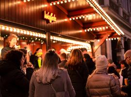 32e Leuvense Kerstmarkt op Ladeuze- en Hooverplein van start