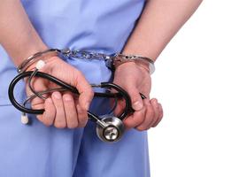 Italiaanse politie arresteert 17 maffiosi in zorgsector
