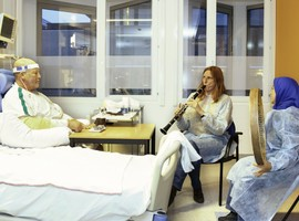 """De la musique """"live"""" aux soins intensifs de l'UZ Gent et de l'hôpital militaire de Neder-over-Heembeek"""