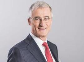 Geert Bourgeois (N-VA) tot von der Leyen: inspannings- of resultaatsverbintenis van farmafirma's?