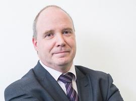 """Telecovid: """"Covid-patiënten hebben nood aan begeleiding op lange termijn"""" (Prof. Guy Hans)"""