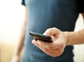 Israël zal met sms en gps controleren of reizigers zich aan quarantaine houden