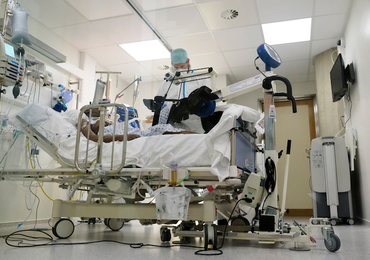 Nederlandse ziekenhuizen stellen noodgedwongen hart- en kankeroperaties uit