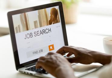 Ex-kankerpatiënten krijgen te maken met discriminatie tijdens zoektocht naar werk (studie)