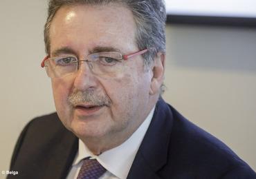 Brussels minister-president Vervoort pleit voor debat zonder taboes over vaccinatieplicht